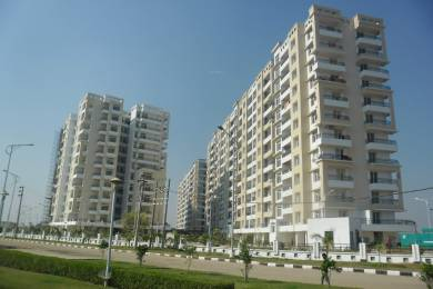 Freehold Flat Available With Reserved Cra Parking