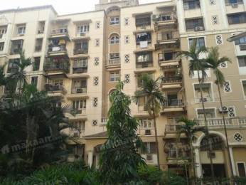 1 BHK Apartment available in Posh Locality